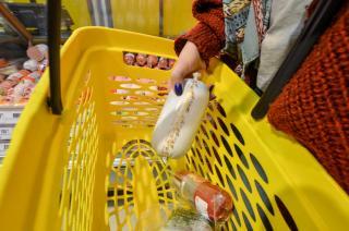 Фото: PRIMPRESS | «У меня обморок»: видео сосиски под микроскопом поразило приморцев