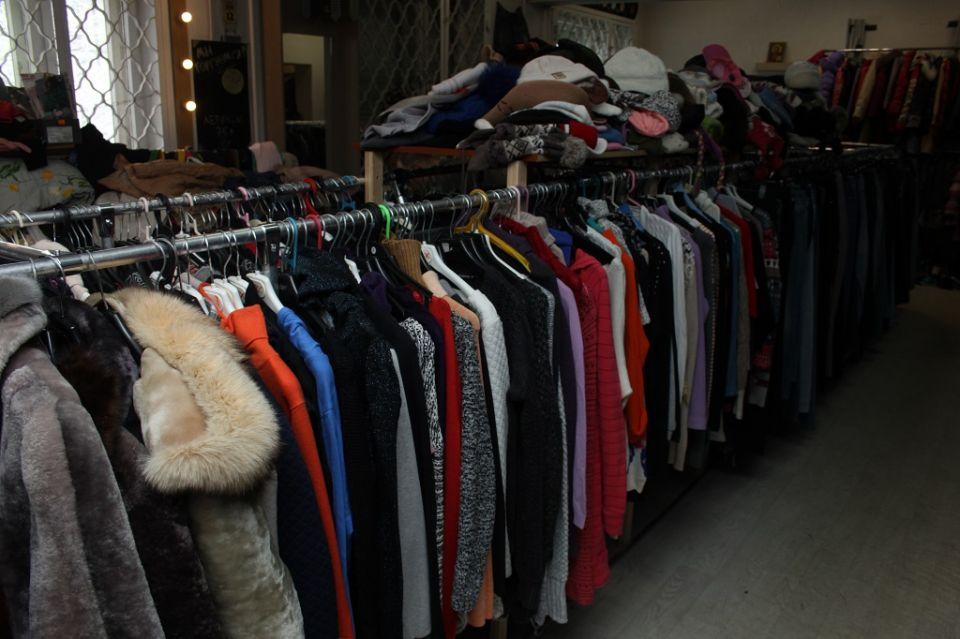 ace0c8f6590 Секонд-хенд – недорогая брендовая одежда или усовершенствованная ...