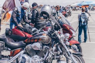 Фото: Екатерина Борисова | Около тысячи приморских байкеров собрались на открытие мотосезона