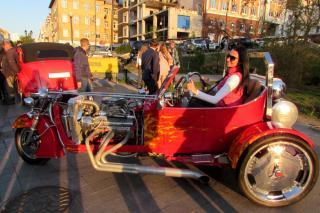 Фото: Иван Крышан | Раритетные «машины рок-н-ролльщиков» продемонстрировали во Владивостоке
