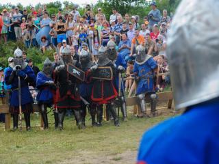 Фото: Семен Апасов   «Владивостокская крепость» объединила рыцарей современного Средневековья (фото)