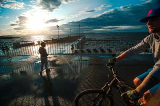 Фото: Семен Апасов | До свидания, лето! Приморцы прощаются с августом (фоторепортаж)