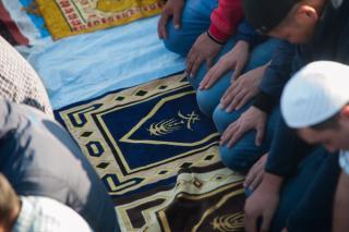 Фото: Семен Апасов | Мусульмане Владивостока празднуют Курбан-байрам (фото)