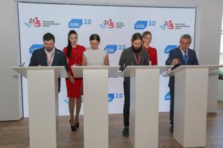 Фото: Семен Апасов, Татьяна Меель | Третий ВЭФ завершился во Владивостоке