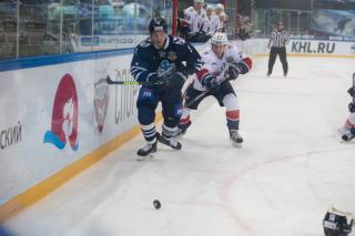 Фото: Татьяна Меель | «Адмирал» без ведущих игроков проиграл нижегородскому «Торпедо» во Владивостоке